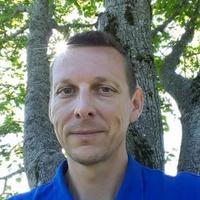 Luc Lacheal magnétiseur, aurathérapeute et réflexologue.